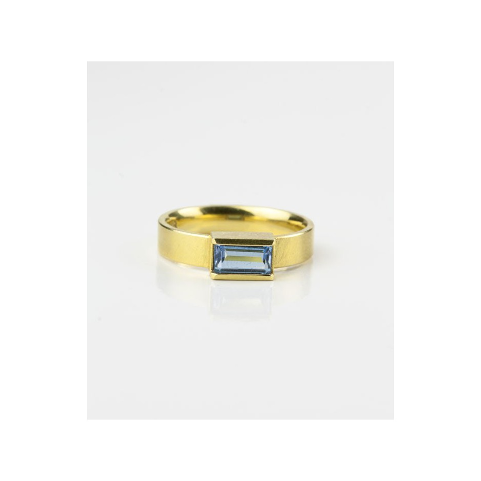 Michael Becker 09C - Ring - Yellow gold and aquamarine