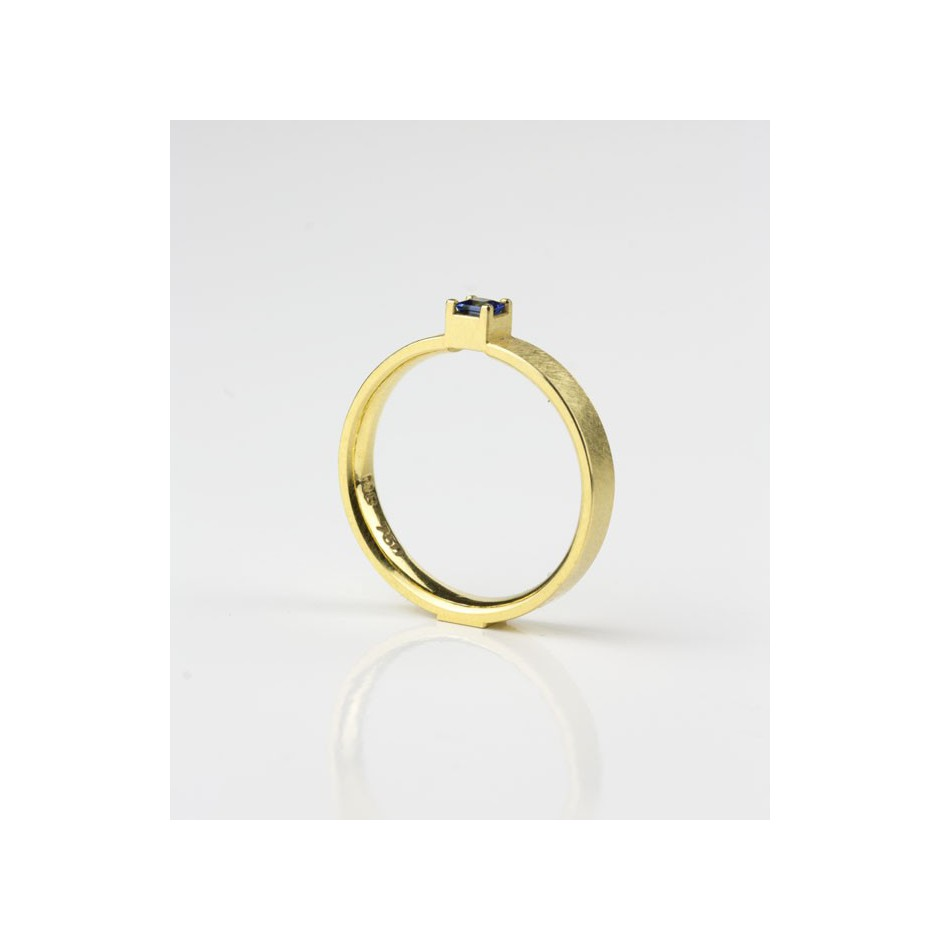 Michael Becker 10B - Ring - Yellow gold and sapphire