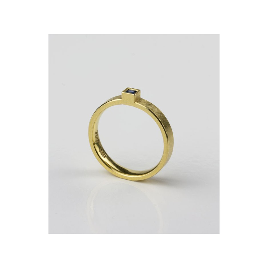Michael Becker 11B - Ring - Yellow gold and sapphire