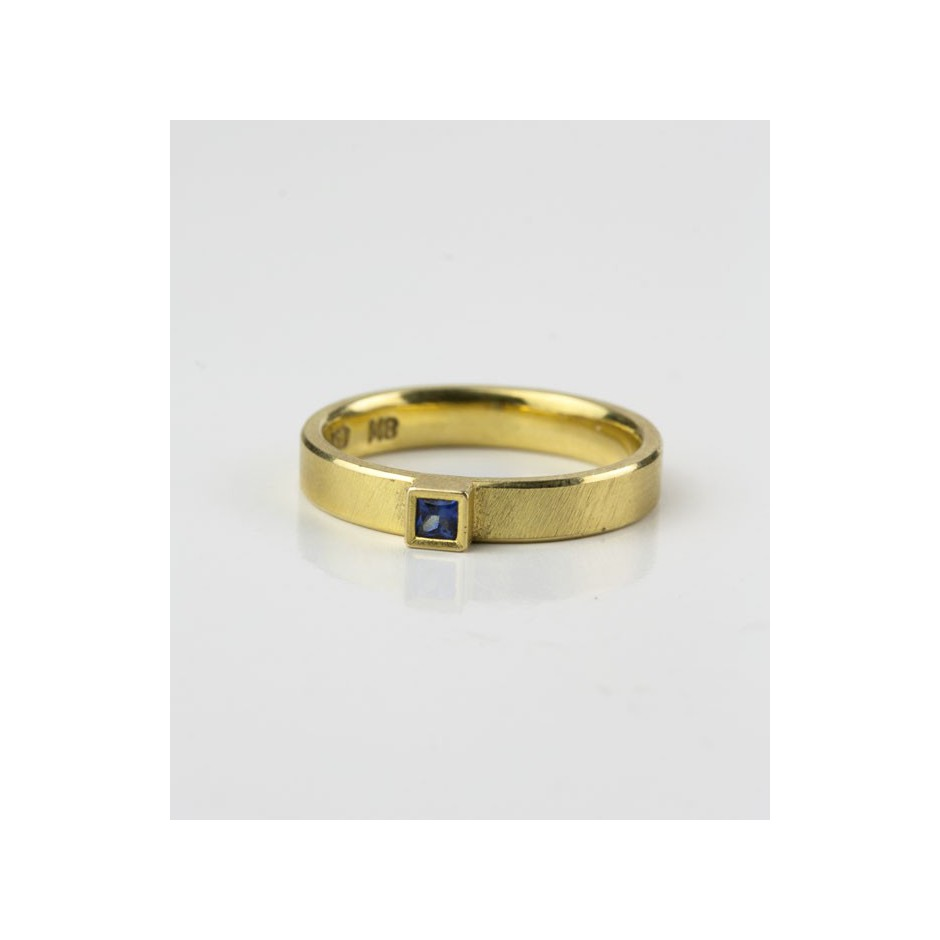 Michael Becker 11C - Ring - Yellow gold and sapphire