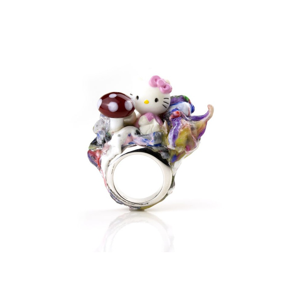 Barbara Uderzo 01A - Ring made of silver, freshwater pearl, plasic amanita and glass
