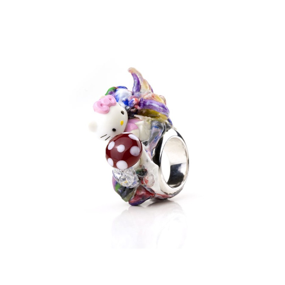 Barbara Uderzo 01B - Ring made of silver, freshwater pearl, plasic amanita and glass