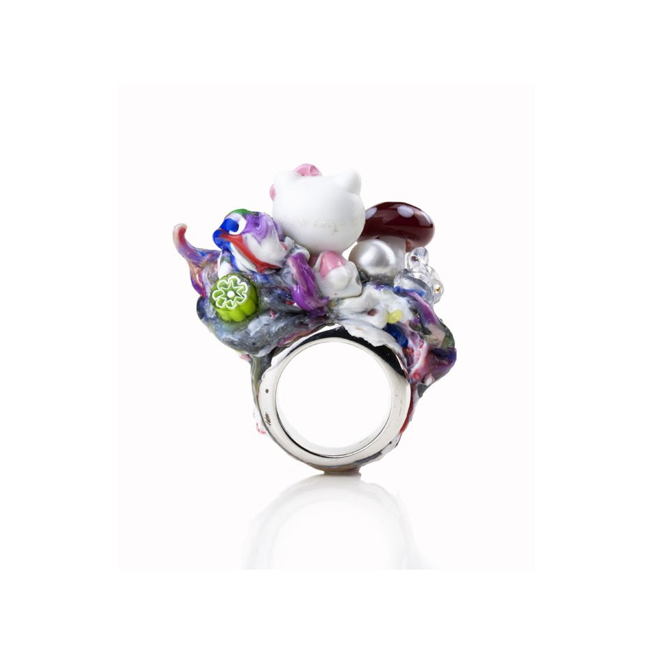 Barbara Uderzo 01C - Ring made of silver, freshwater pearl, plasic amanita and glass
