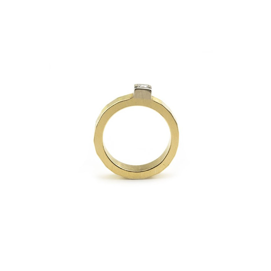 Josephine Wood 04A - Ring Gold and Diamond