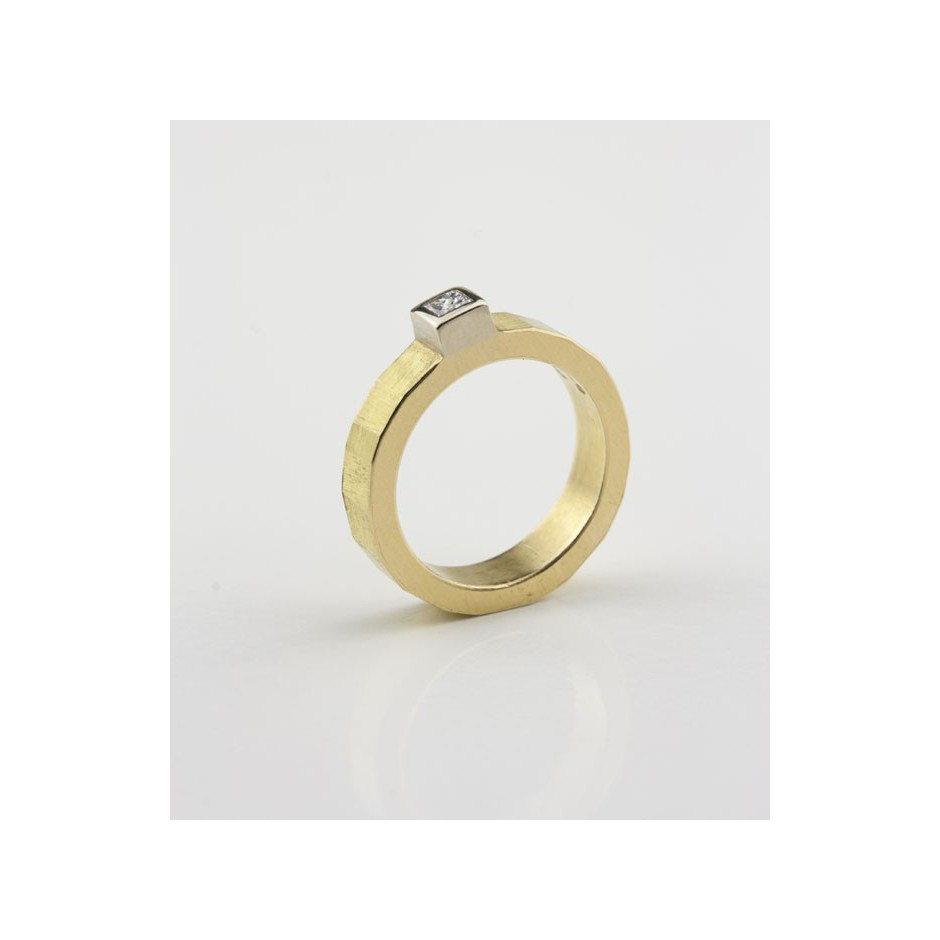 Josephine Wood 04B - Ring Gold and Diamond