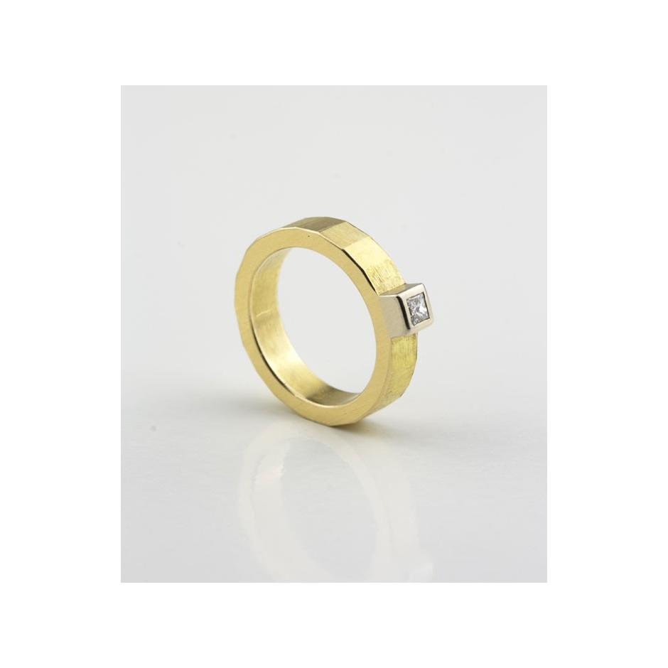Josephine Wood 04C - Ring Gold and Diamond