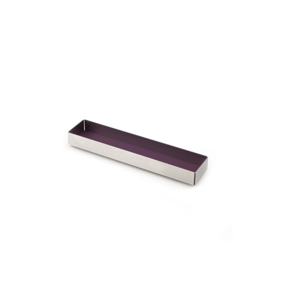 Dau 01A - Brooch – Limited edition – Stylish brooch made of steel and purple lacquer.