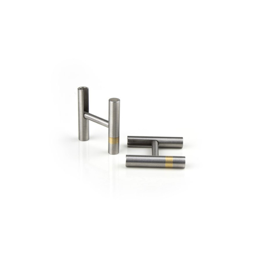 Carl Dau 07A - Limited edition – Cufflinks made of steel and yellow gold.