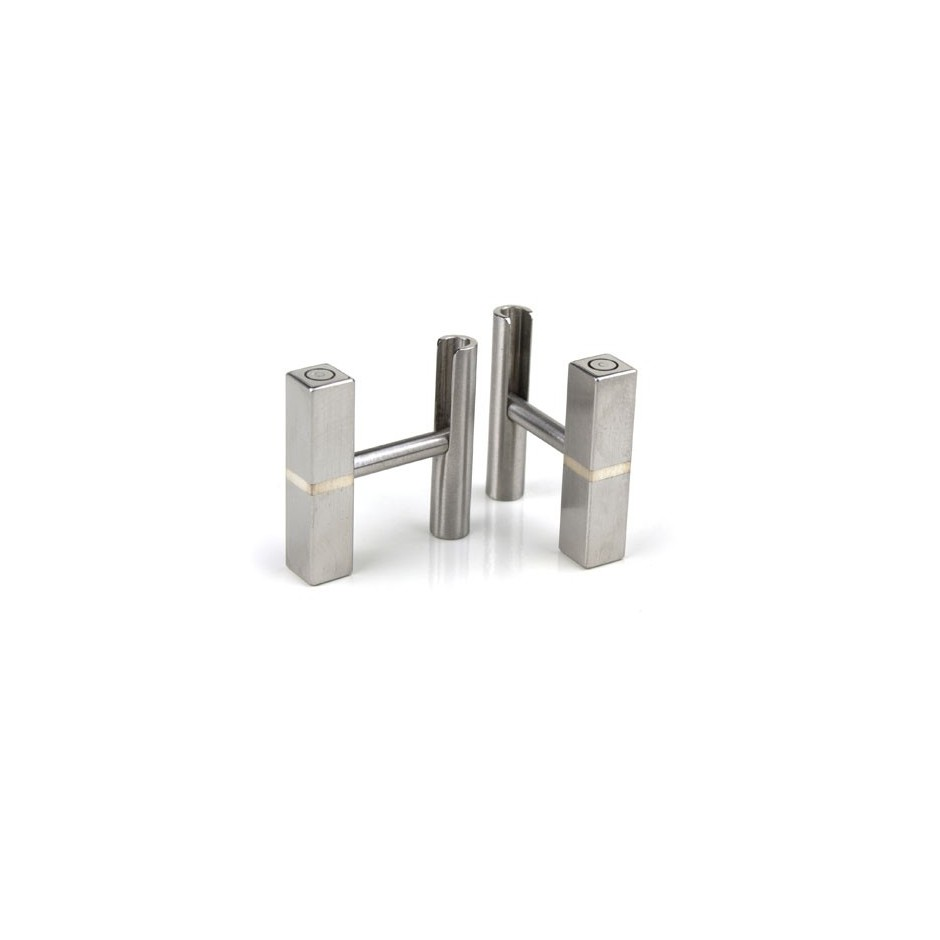 Carl Dau 08A - Limited edition – Cufflinks made of steel and silver.