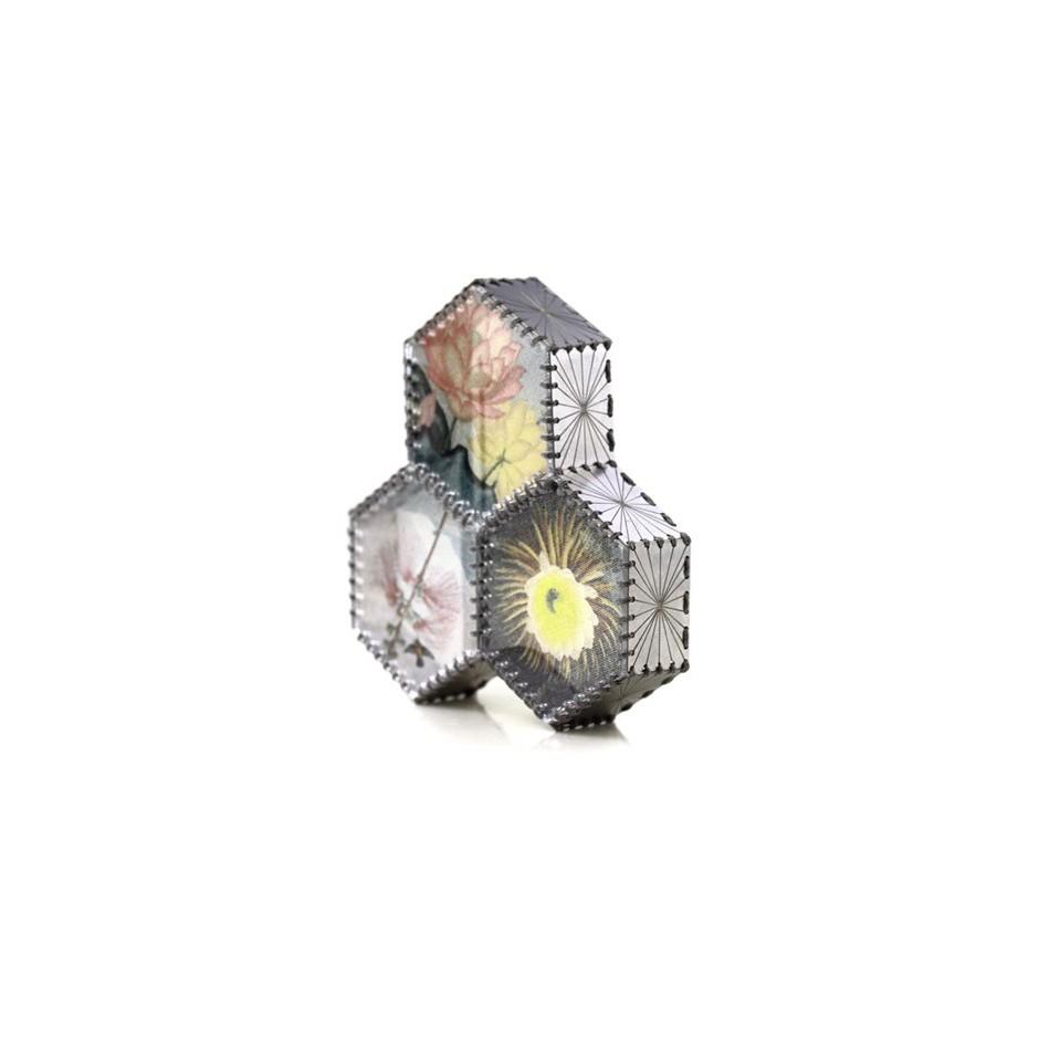 Chiara Scarpitti 11B - Correspondences – Brooch made of oxidized silver, steel, plexiglass, printed cloth and cotton thread.