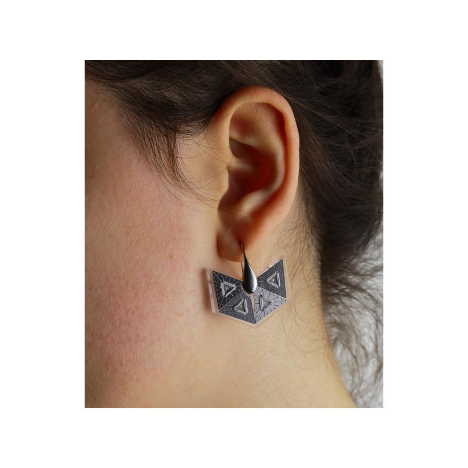 Chiara Scarpitti 17D - Phylogenesis - Tessellations - Earrings made of silver, steel, plexiglass and cotton thread.