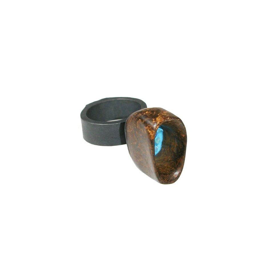 Spivach 01D - Unique piece - Ring made of oxidized silver, matrix boulder opal, resin and opal.