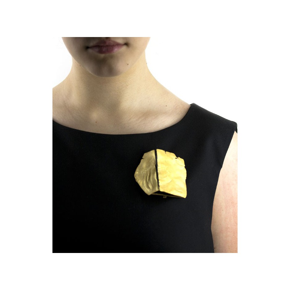Adrean Bloomard 08F - Brooch - Unique piece - Made of gold and black enamel