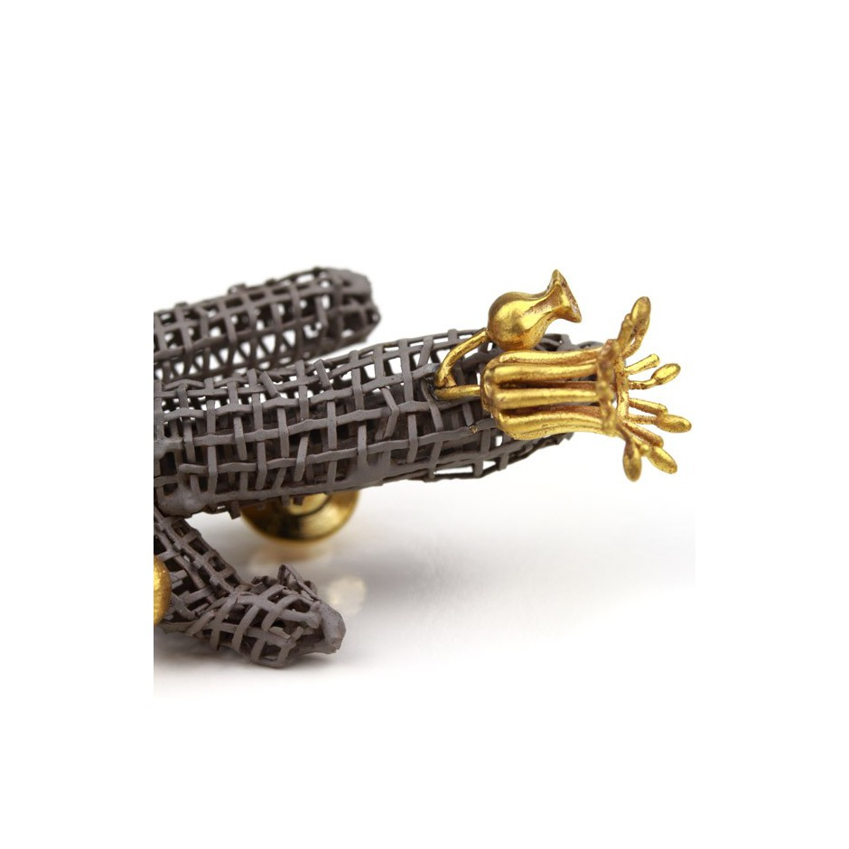 Sheikhvand 06D - Unique piece - Hybrid Series - Brooch made of powdercoated steel, copper and brass, partly goldplated.