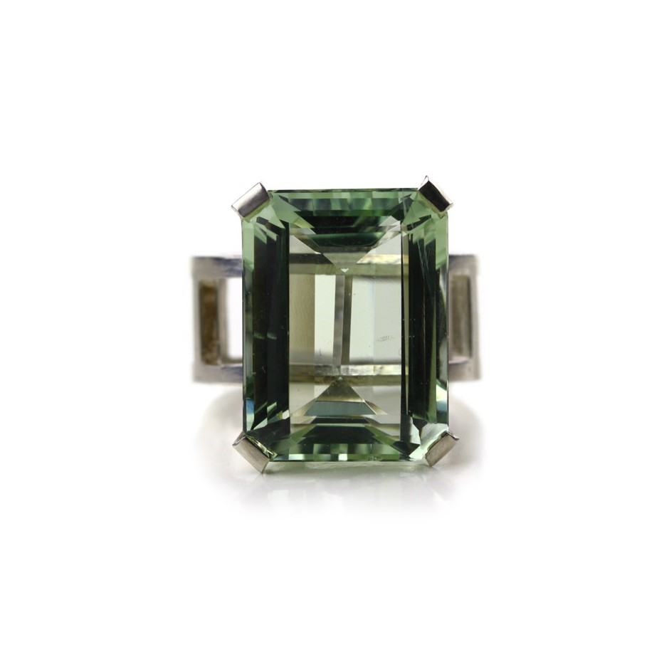 Melanie Kolsch 09B - Ring - Silver and brazilian prasiolite