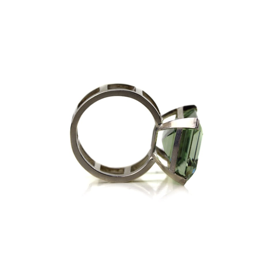 Melanie Kolsch 09D - Ring - Silver and brazilian prasiolite