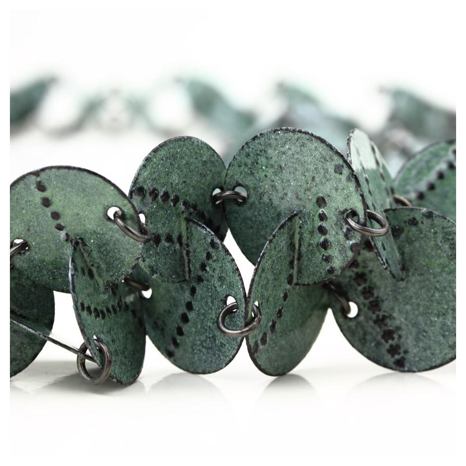 Silke Trekel 14D - Necklace - Vertebra - Chased iron, enamelled, oxidized silver