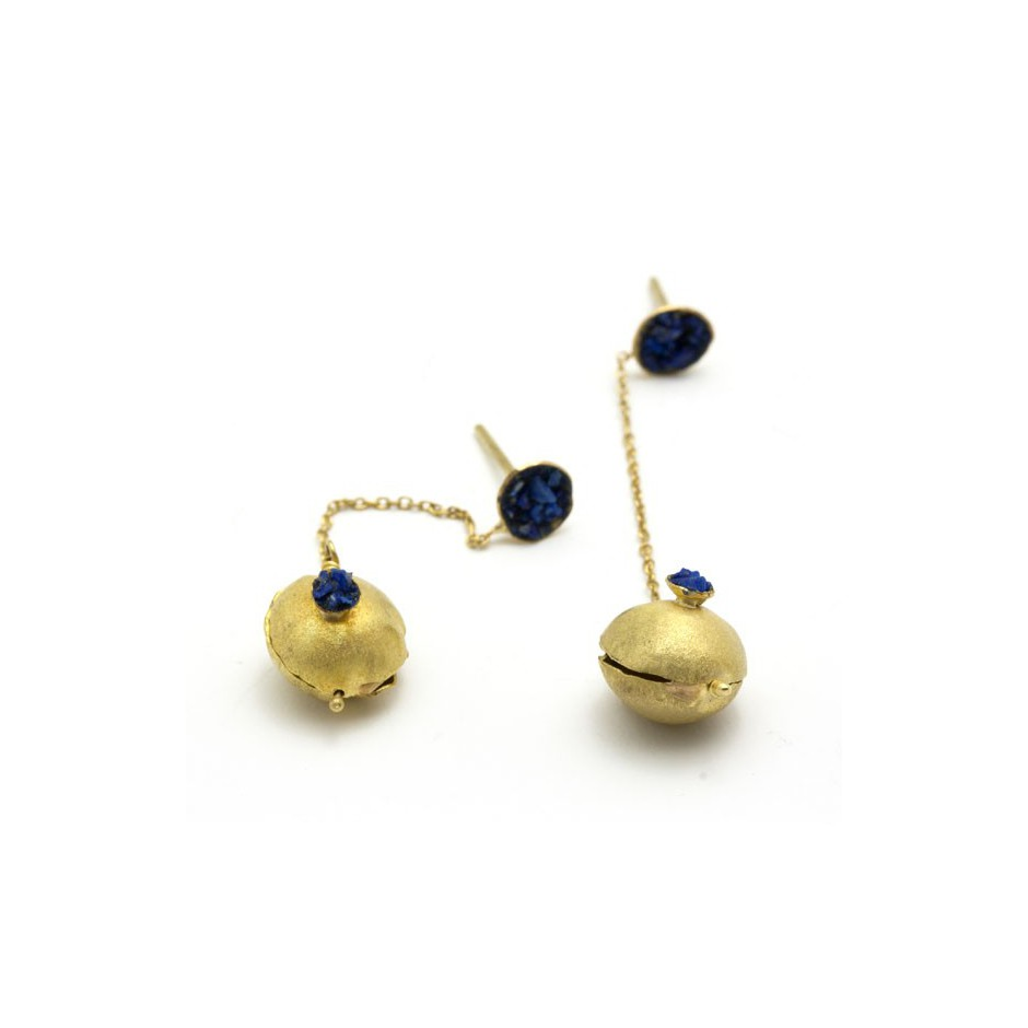 Adrean Bloomard 18B - Earrings - Unique piece - Made of gold and crushed lapis lazuli