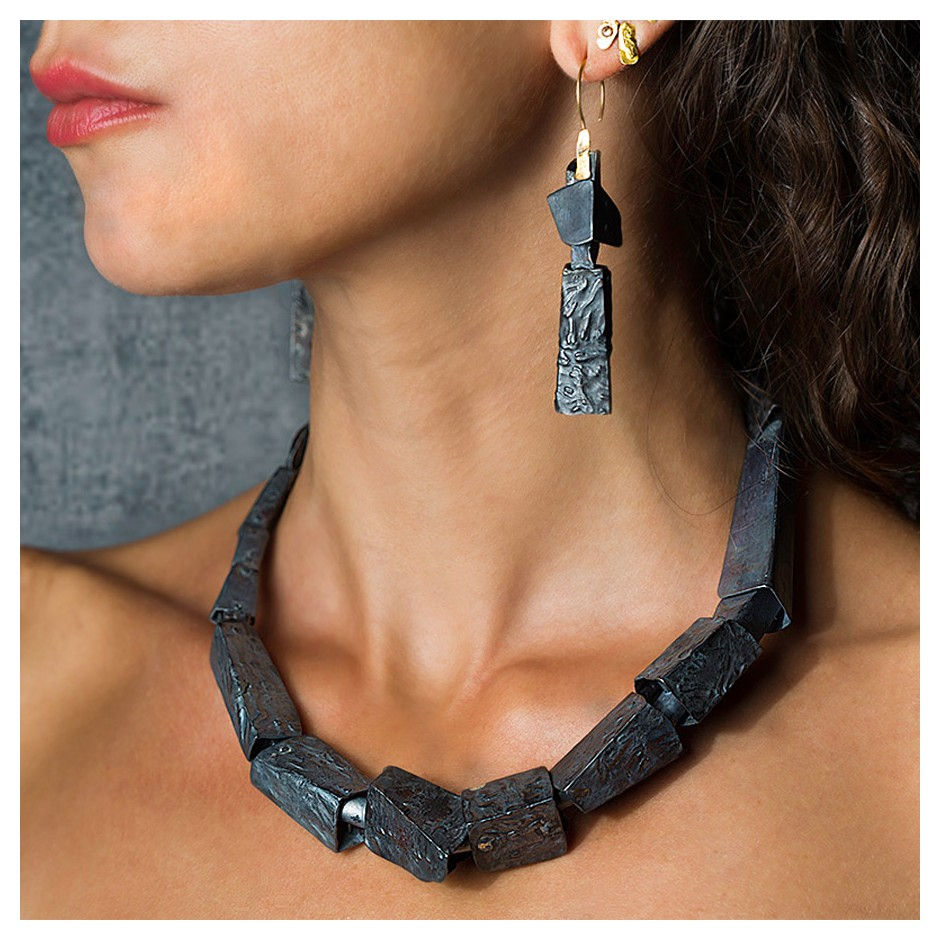 Dina Abargil 21E - Earrings - Shibuichi, oxidized silver and yellow gold