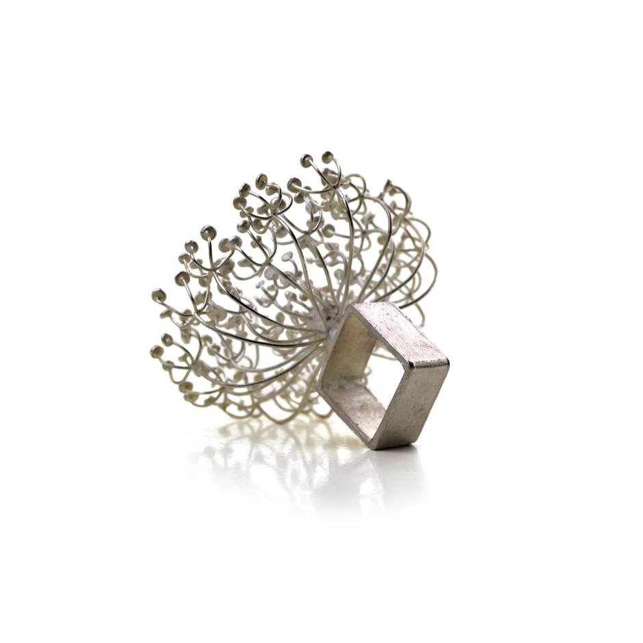 Ute Kolar 22C - Ring - Dolden - Silver