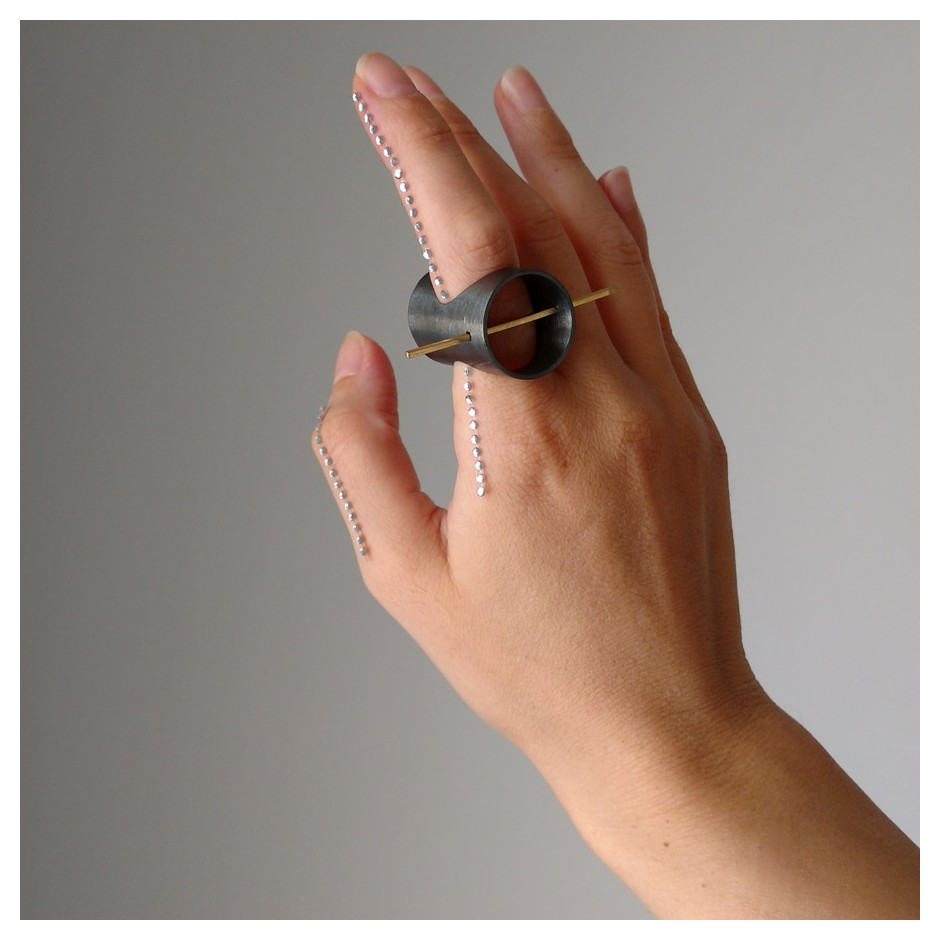 Laura Forte 02B - Ring - Deep - Oxidized silver and gold