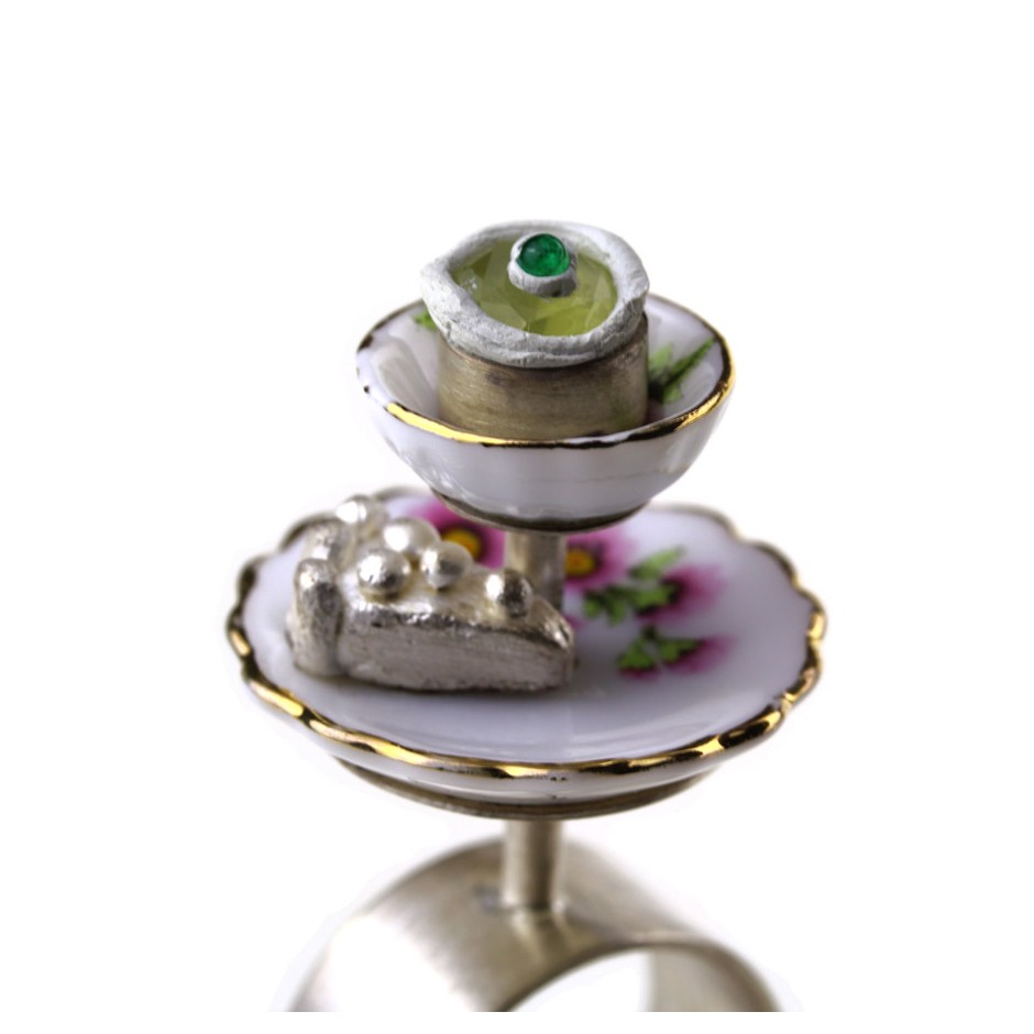 M. L. Kristensen 09D - Ring - Silver, porcelain, lemon quarz, emerald