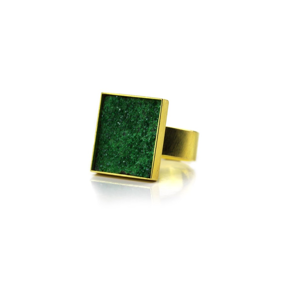 Michael Becker 12A - Ring - Yellow gold and uvarovite