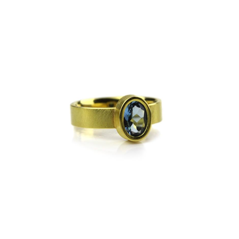 Michael Becker 14B - Ring - Yellow gold and aquamarine
