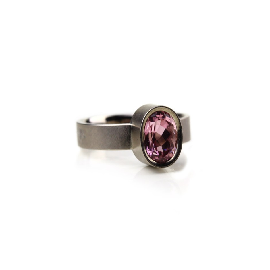 Michael Becker 16B - Ring - White gold and pink tourmaline