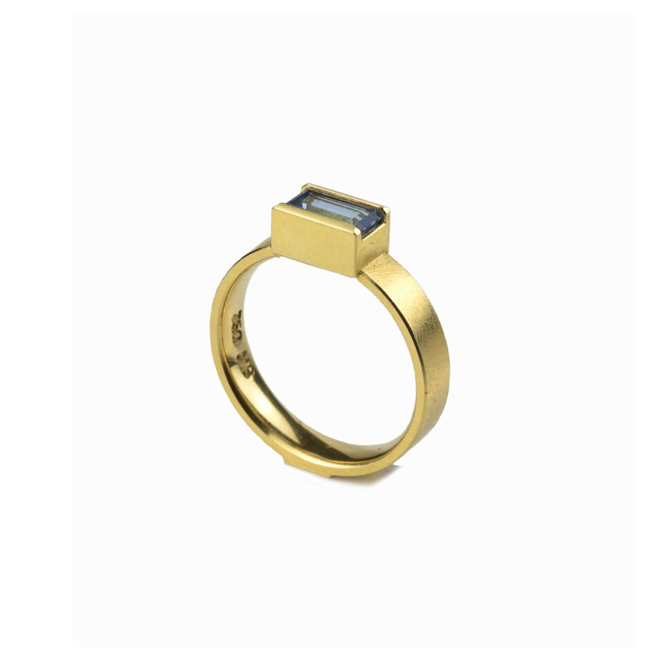 Michael Becker 09A - Ring - Yellow gold and aquamarine