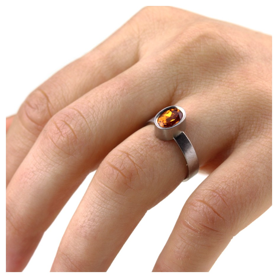 Michael Becker 15D - Ring - White gold and mandarin garnet
