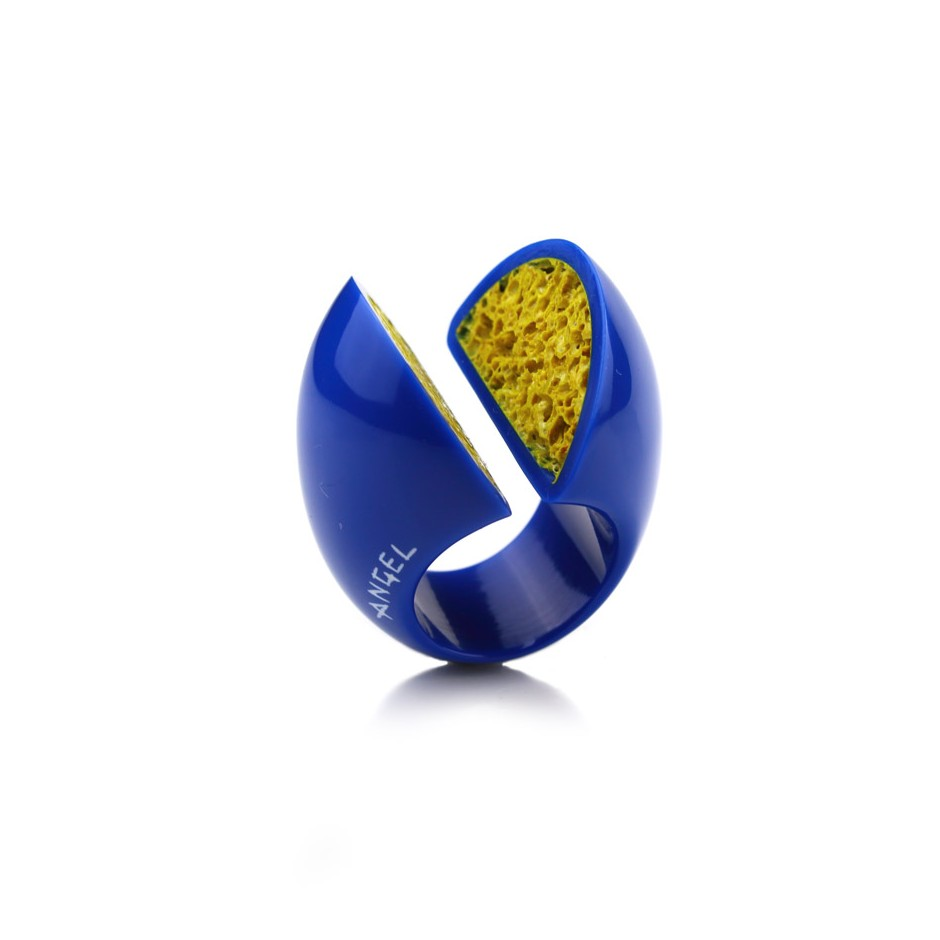 Guido Angeletti 12A - Ring - Blue and yellow resin
