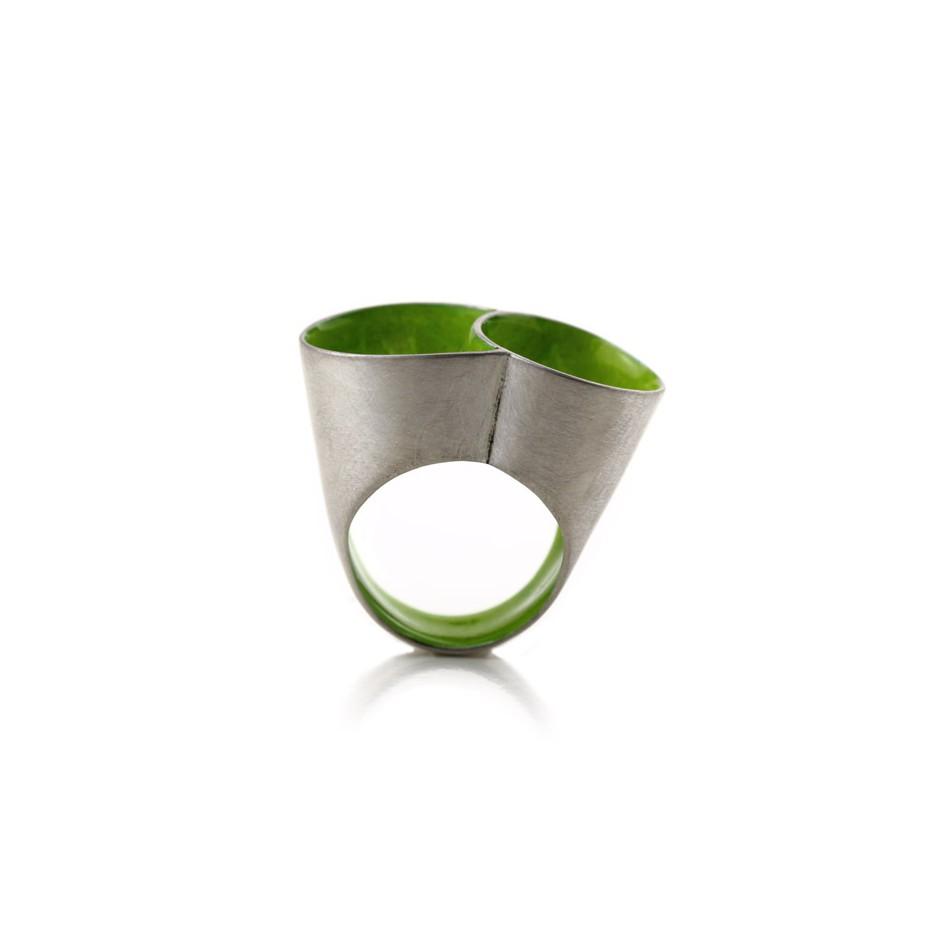 Carola Bauer 27B - Ring - Silver and green enamel ring