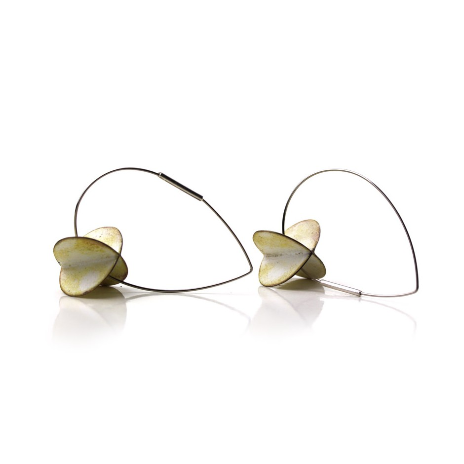 Carola Bauer 28B - Earrings - Silver and white enamel